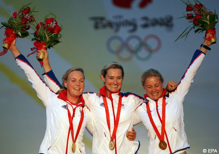 Team GBR lifts gold in Beijing 2008