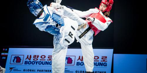 Da-bin Lee of South Korea kicking for gold in the women's 73 kg category at the Taekwondo World Championships