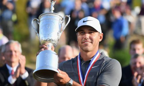 Brooks Koepka (USA) with the US Golf Open trophy, the first pro to win back-to-back US Open titles in 29 years