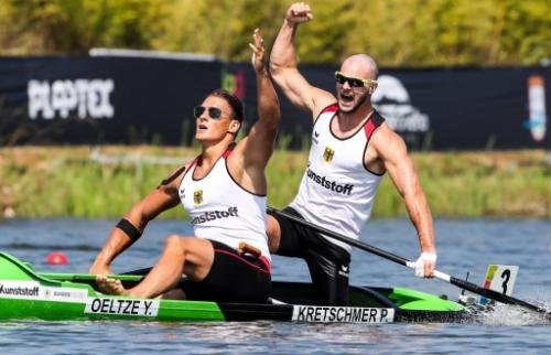 Yul Oeltze and Peter Kretschmer (Germany) successfully defended their C2 1000 world title in Portugal