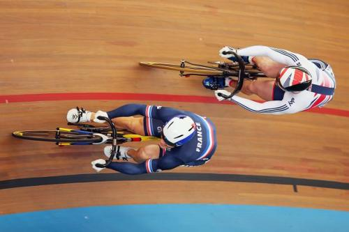 France's Pervis and GBR's Kenny fight it to the line at the 2015 Track Cycling Worlds